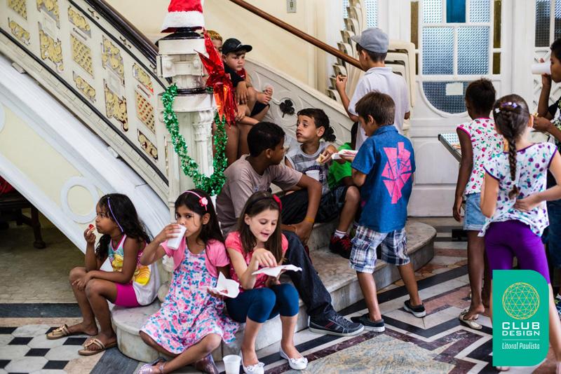 Crianças da entidade Vó Benedita