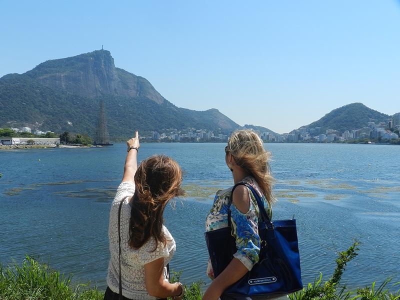 Melba Nadais e Sirley Cruz, admiram a vista da Lagoa Rodrigo de Freitas