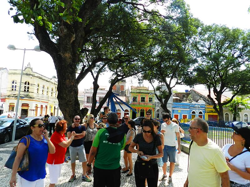 Grupo visita Praça do Frevo – foto Alvaro Guillermo