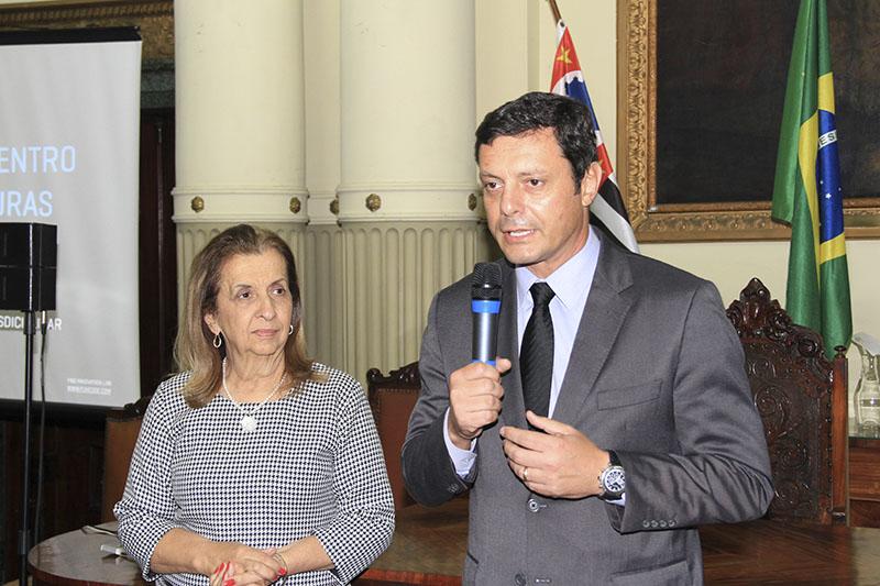 Maria Ignêz Barbosa e Rogerio Pereira dos Santos